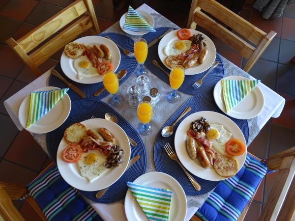 Breakfast at Big Skies Guesthouse