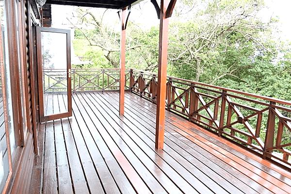 Upper Letsatsi Deck