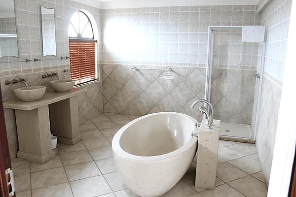 Upper Letsatsi Bathroom