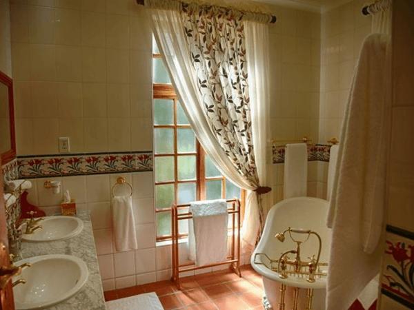 Bathroom at Kleine Constantia Boutique Guest House