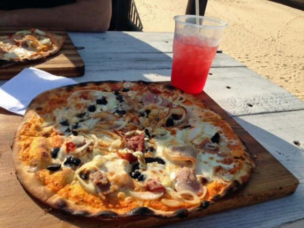 Pizza at Paraiso do Ouro Resort
