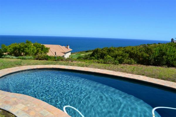Swimming pool at Pinnacle Point Beach and Golf Estate
