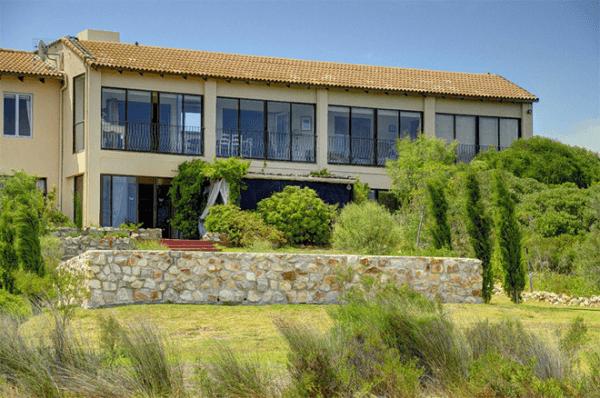Villa di Baia Self Catering