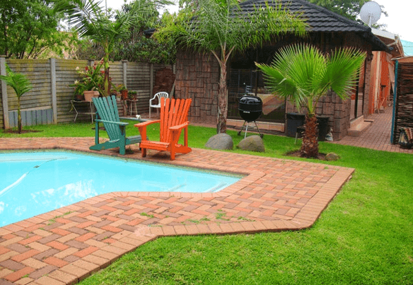 Jorene's Guest House Swimming Pool