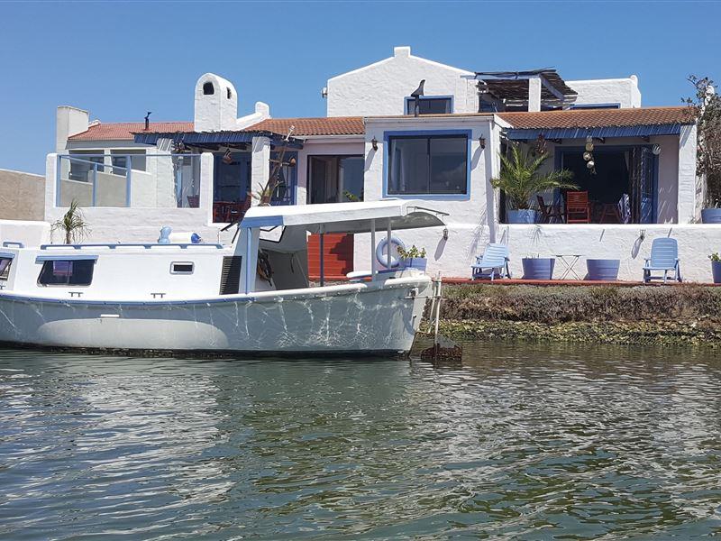 Tranquility in Port Owen