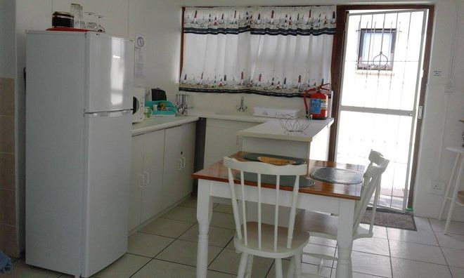 Self catering kitchen at Beaches and Bays Guest Accommodation