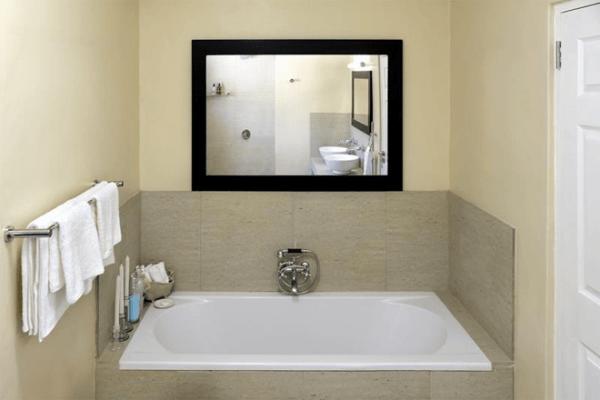 bathroom at Grande Plaisir