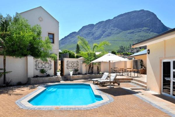 Swimming pool at Grande Plaisir