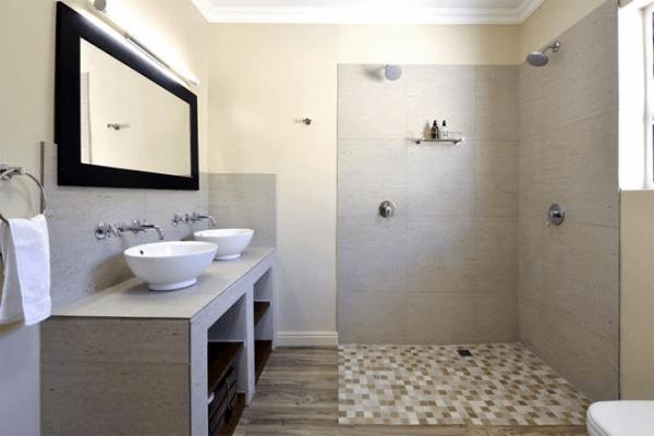 Bathroom with shower at Grande Plaisir