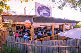 GumTreez Pub & Grill